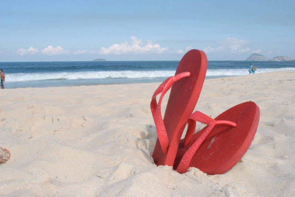 5 itens que nao podem faltar na praia: havaianas